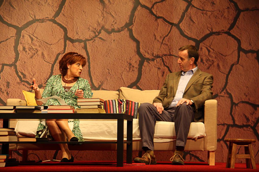 Veronique and Michel Vallon (Rachel O'Connor and Richard Hurst)